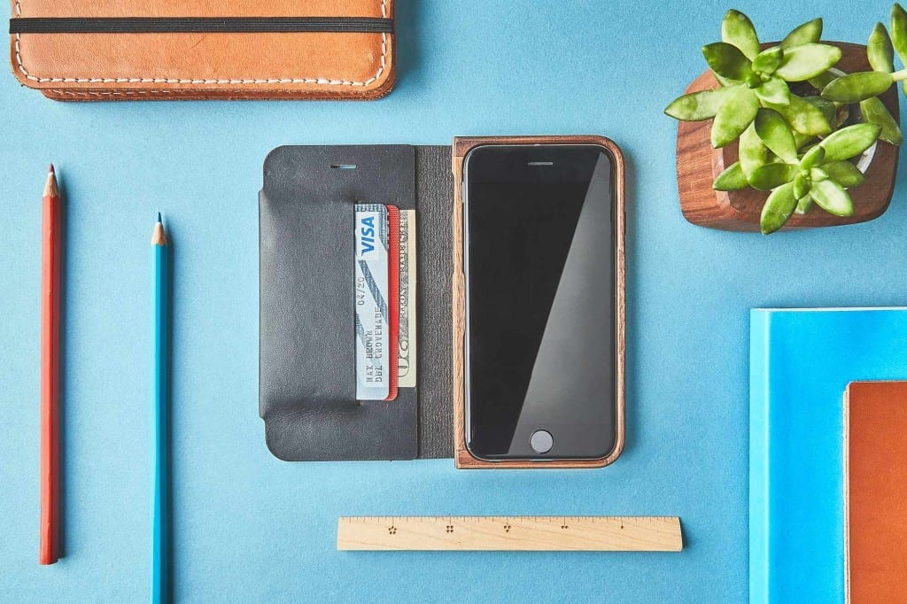 grovemade-wood-leather-folio-iphone-7-walnut-galB-F1
