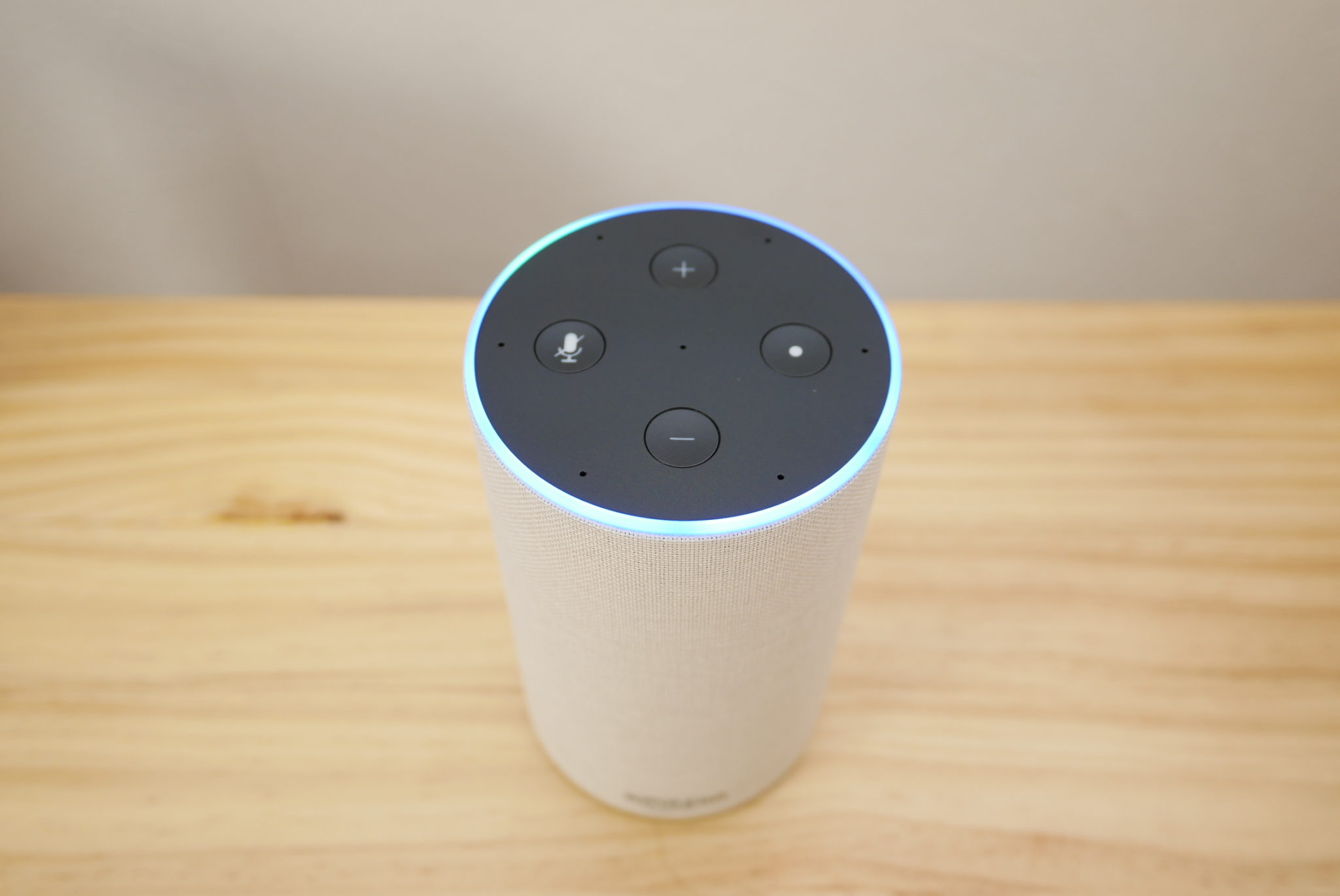 Amazon Echo 本体上部