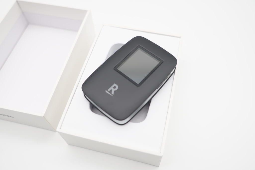 Rakuten WiFi Pocket レビュー 本体デザイン