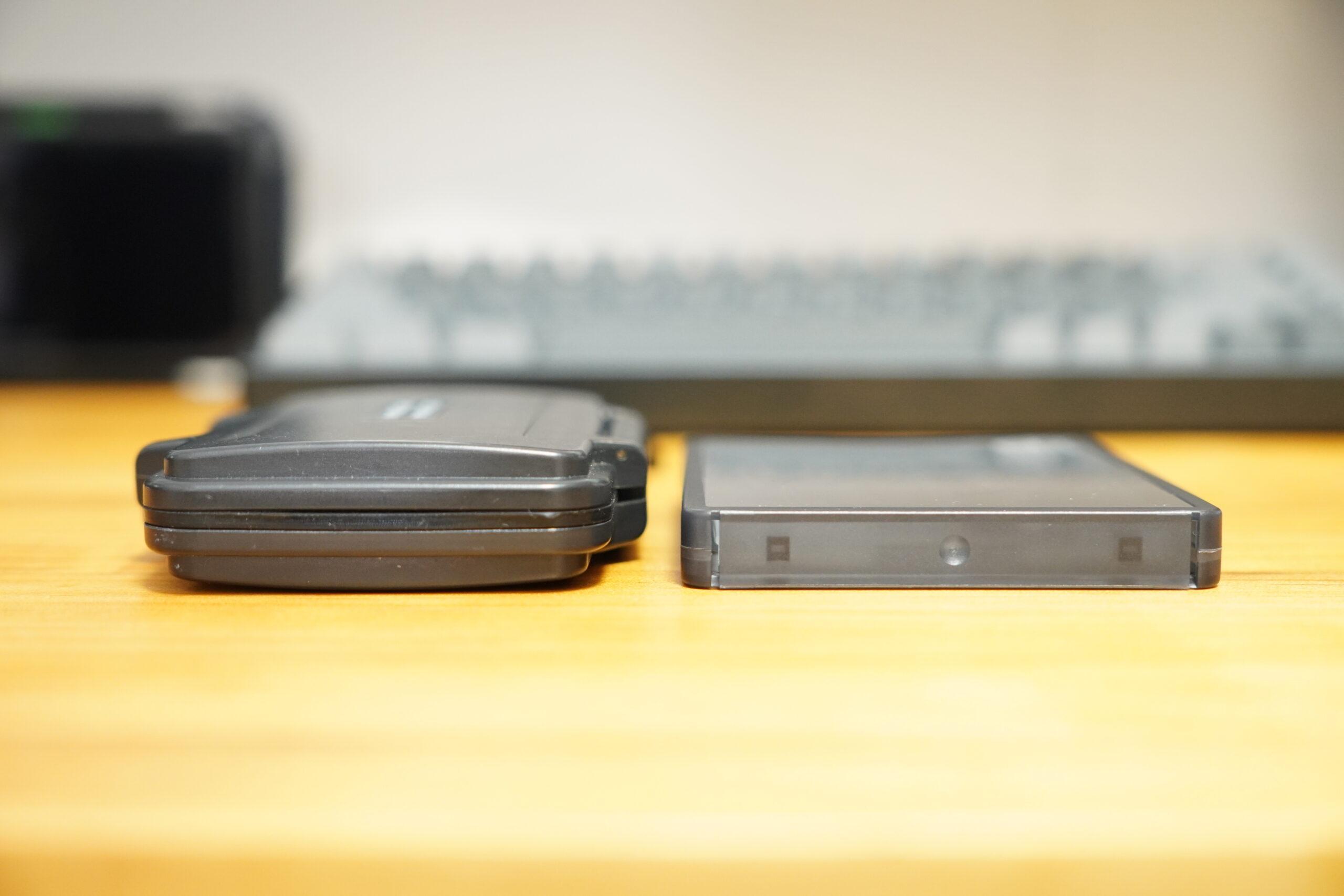 SDカード収納ケース サイズ比較