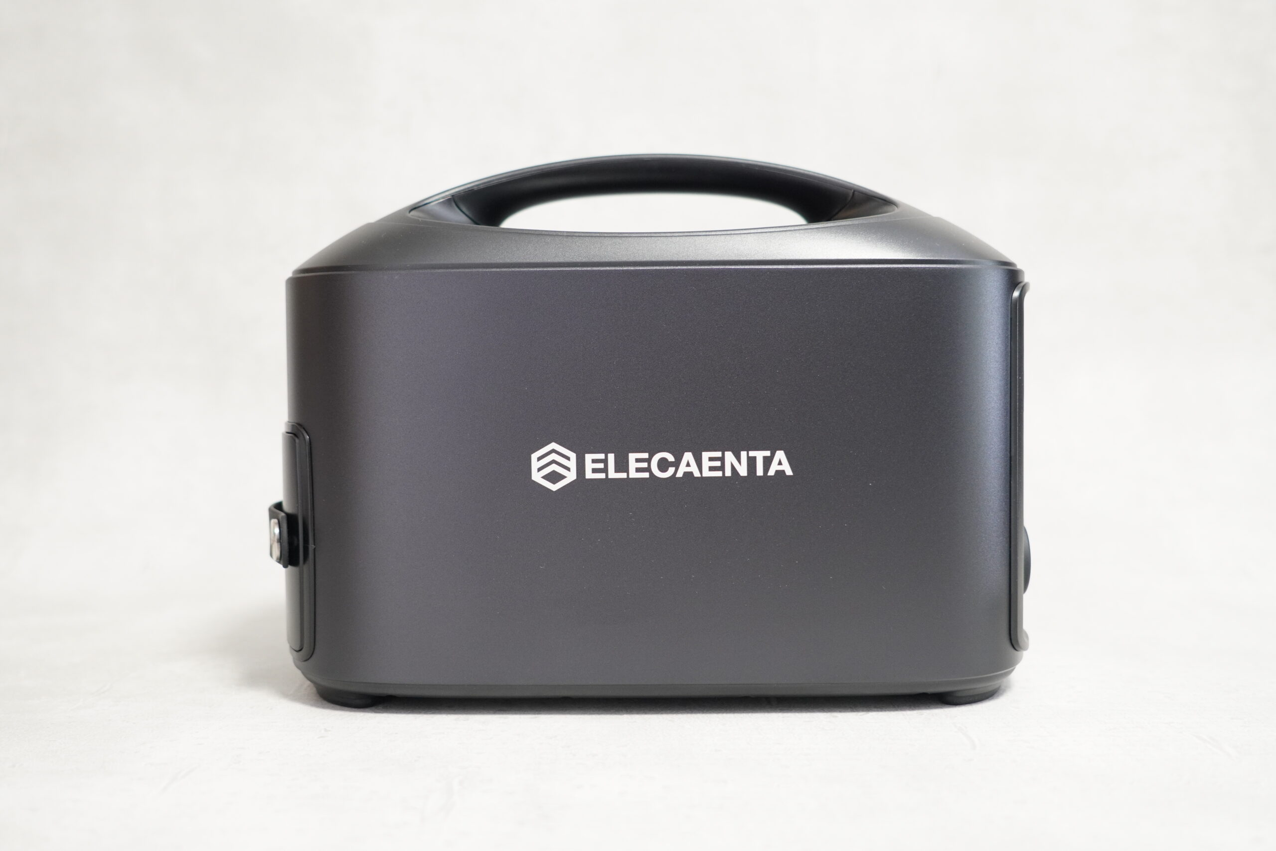 ELECAENTA S600W ポータブル電源 本体外観